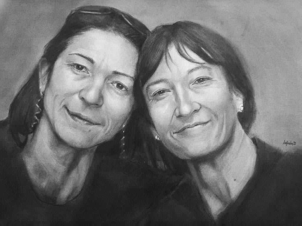 Ritratto su commissione a carboncino su tela 70x50 Grazie e Cristina